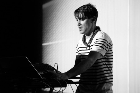 r-n at mutek montreal 2009